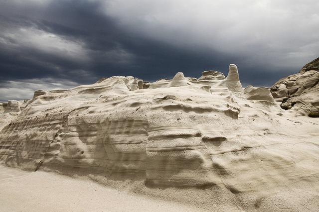 Sarakiniko. Una playa que parece que está en la Luna