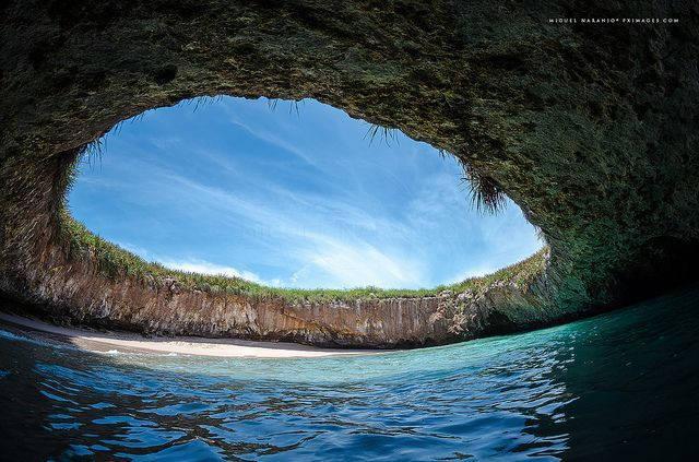 Playa Oculta o Hidden Beach en las Islas Marietas