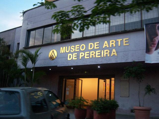 museodearte_pereira_agarrandomaletas