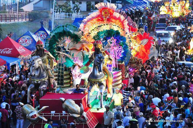 carnaval_panama_agarrandomaletas