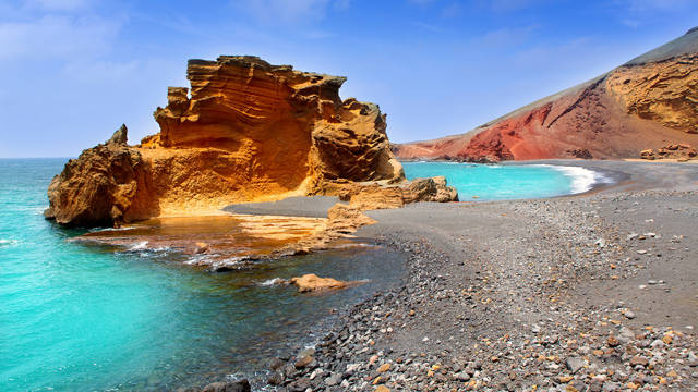 Un recorrido por lo fundamental de Lanzarote, salvaje y volcánica