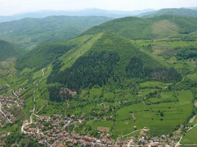 las-piramides-del__sol_bosnia_agarrandomaletas