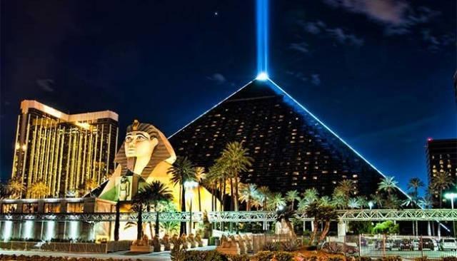 luxor-hotel-casino-las-vegas_agarrandomaletas