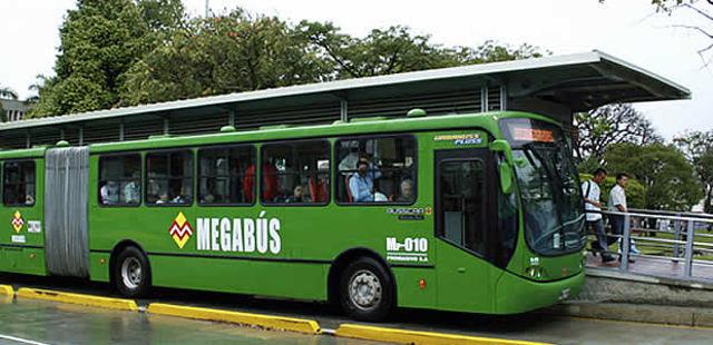 megabus_pereira_agarrandomaletas