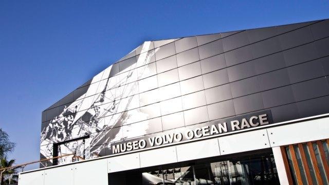 el Museo Volvo Ocean Race es un moderno espacio expositivo en el que el visitante encontrará un lugar interactivo donde conocerá de primera mano el mundo marítimo,