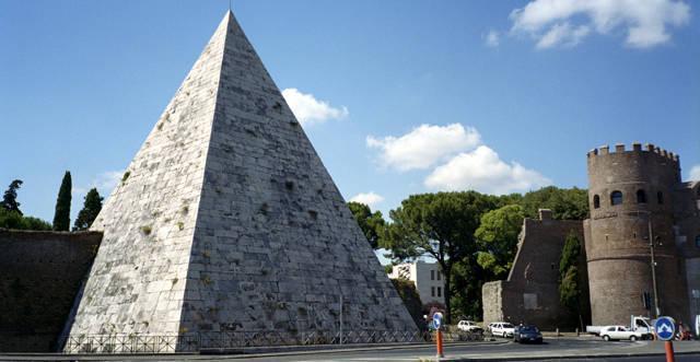 piramides-de-cestia_agarrandomaletas