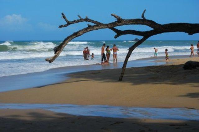 playa-corrales_agarrandomaletas