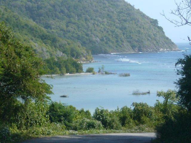 VIsta de la playa san francisquito antes de llegar,al fondo la bahía
