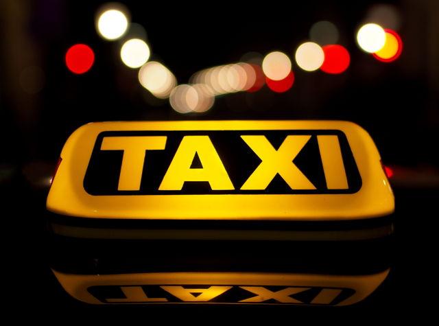 taxi_agarrandomaletas